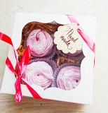 Зефір , шоколад та шоколадні цукерки ручної роботи. Рівне
