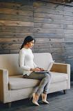 Требуется женщина по работе с клиентами в интернете дома Червоноград
