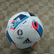 Продається футбольний мяч Adidas Долина
