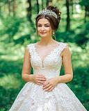 Шикарна випускна або весільна сукня Тячів