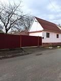 Продам будинок м. Тячів вул. Ерделі 8 поряд з лікарнею Тячев