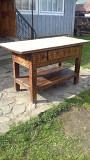 Старовинний гуцульський стіл . Яремче