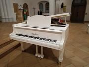 """Белый концертный рояль """"Блютнер"""" Одеса"""