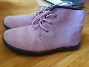 Продам ботинки замшевые демисезонные женские размер 35. Миколаїв