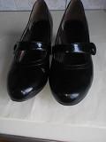 Туфли лаковые черные Київ