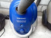 Пылесос Samsung Сосет и всасывает все подряд. Київ