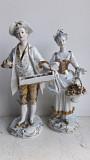 Фарфоровая статуэтка Пара с цветами в золоте, Volkstedt, Германия, серидина 20 в. Львів